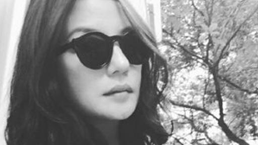 赵薇戴墨镜黑白美照 成功的美丽不可抵挡