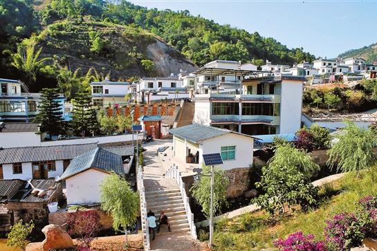 云县易地搬迁让安乐村变成美丽村庄