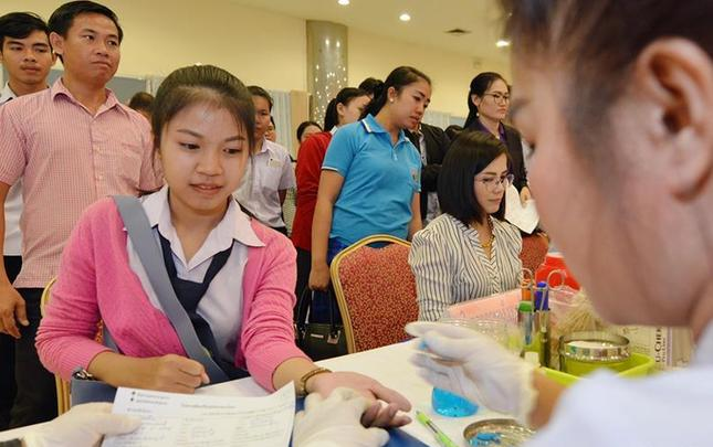 老挝举行世界献血者日活动