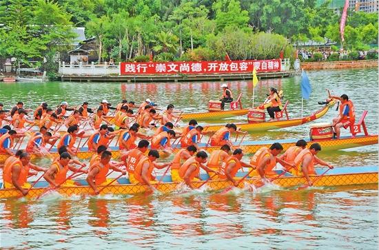 蒙自:龙舟竞渡庆端午
