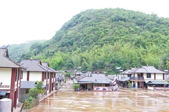 普洱打造少数民族特色村寨