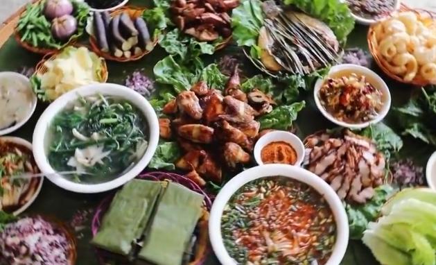 云南西双版纳传统傣味美食品种丰富